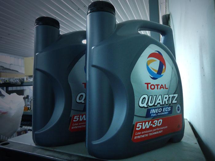 Моторное масло Total Quartz 5W 30